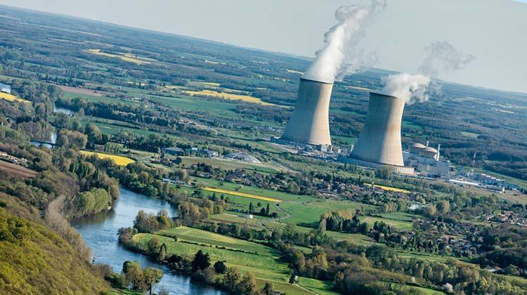 фото поставка электроэнергии с АЭС во Франции