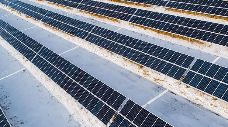 фото солнечная станция зимой