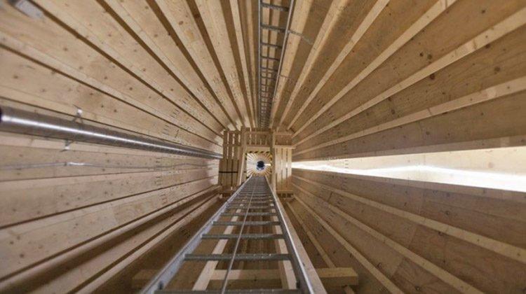 фото деревянная опора для ветряка