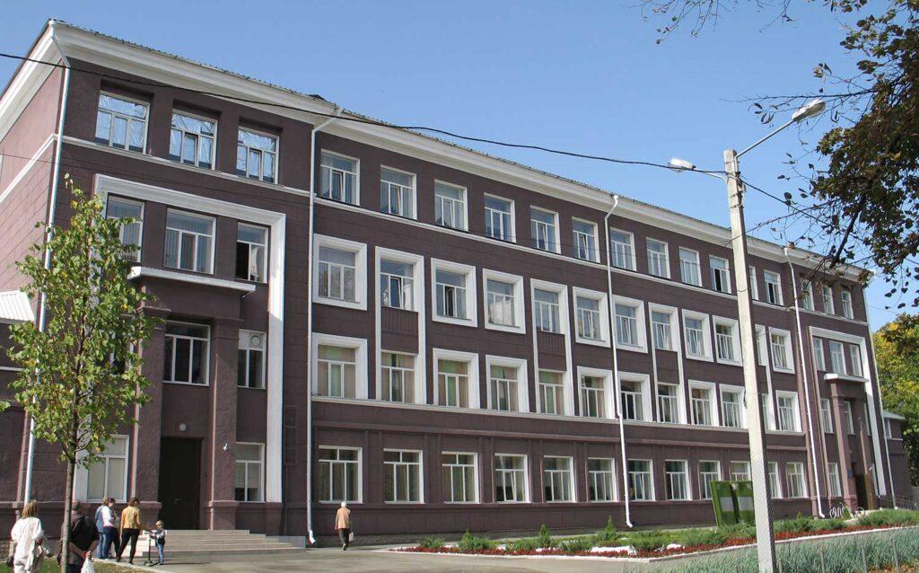 Здание школы после ремонта